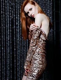 Bella Milano nude in..