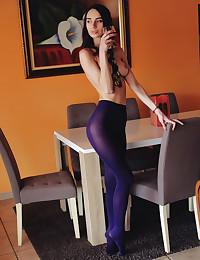 Dita V bare in erotic..