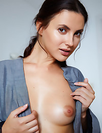 Jasmine Jazz nude in..