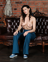 Suzanna A nude in erotic I..