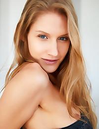 Tiffany Tatum nude in..