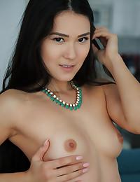 Kimiko nude in erotic Fave..