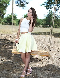 Elina naked in glamour..